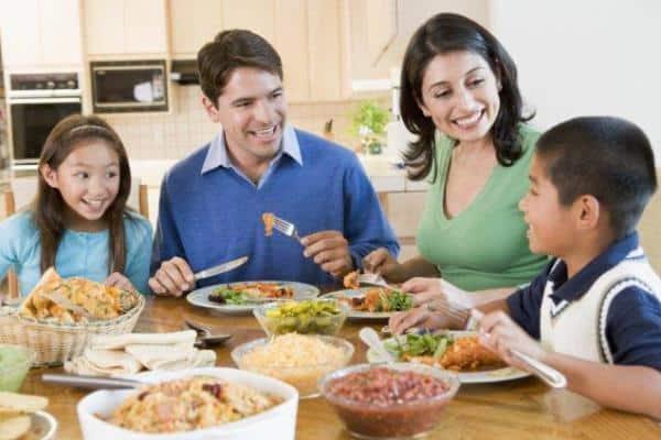 family-eating-dinner