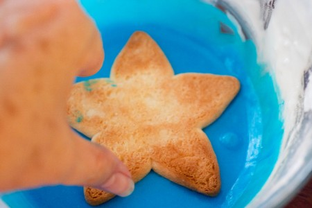 star cookies frosting